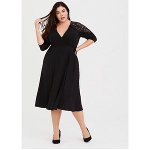 Torrid Black Lace Inset Jersey Wrap Dress Pockets